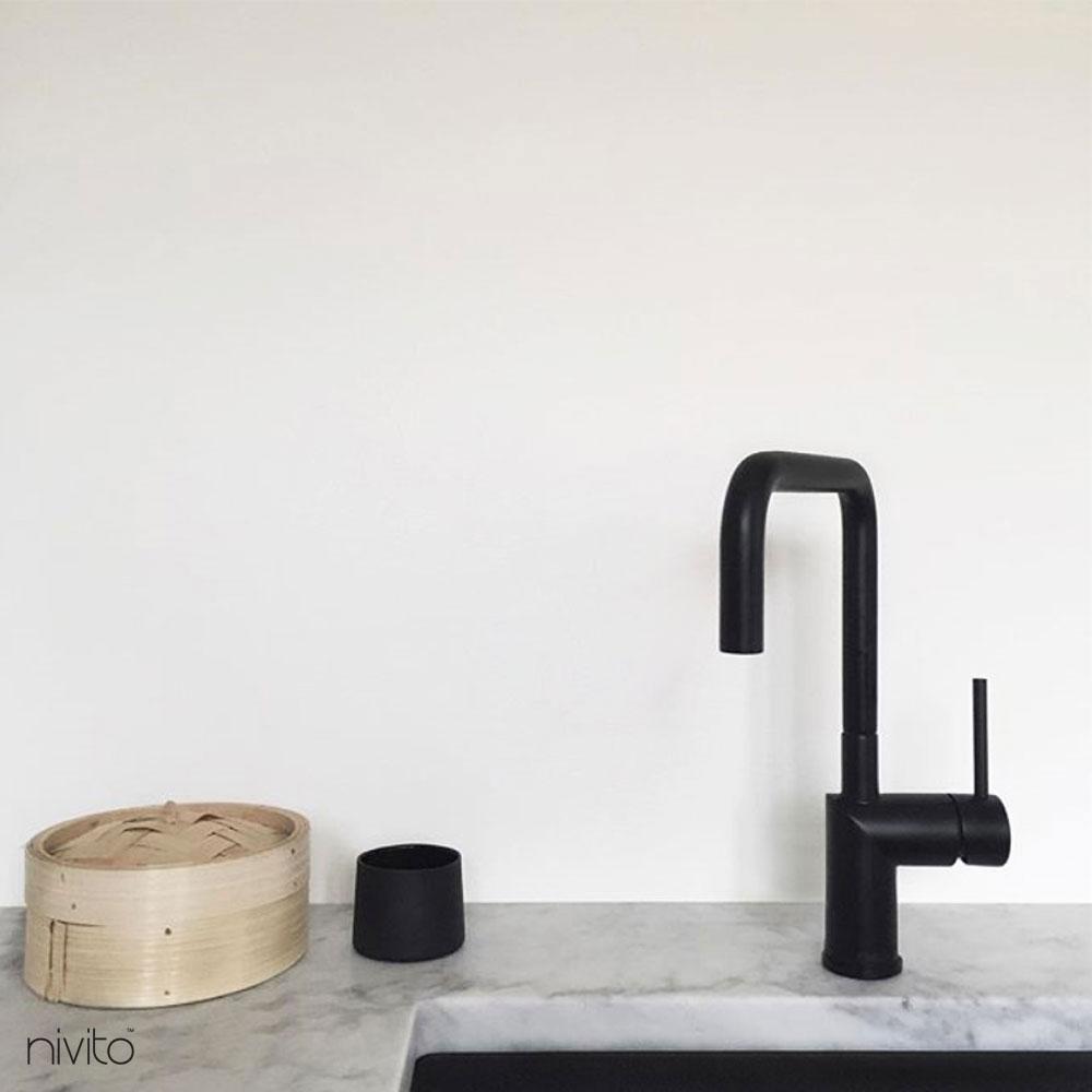 Voda kohoutek černá